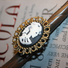 Skull cameo, skeleton cameo ring