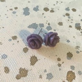 Rose Earrings in Amethyst